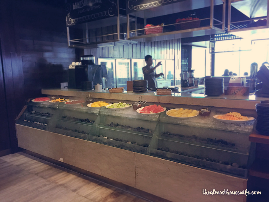 thealmosthousewife makan kitchen